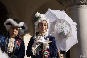 venice-carnival-2011-bored-happy_5511512299_o